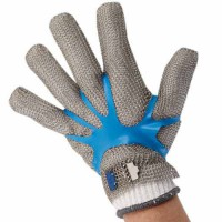 Glove tensioner fits over the mesh glove on the back of the hand, applying a force to maintain tension and give glove a snug fit.